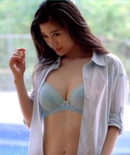 篠原涼子-豊胸5.png